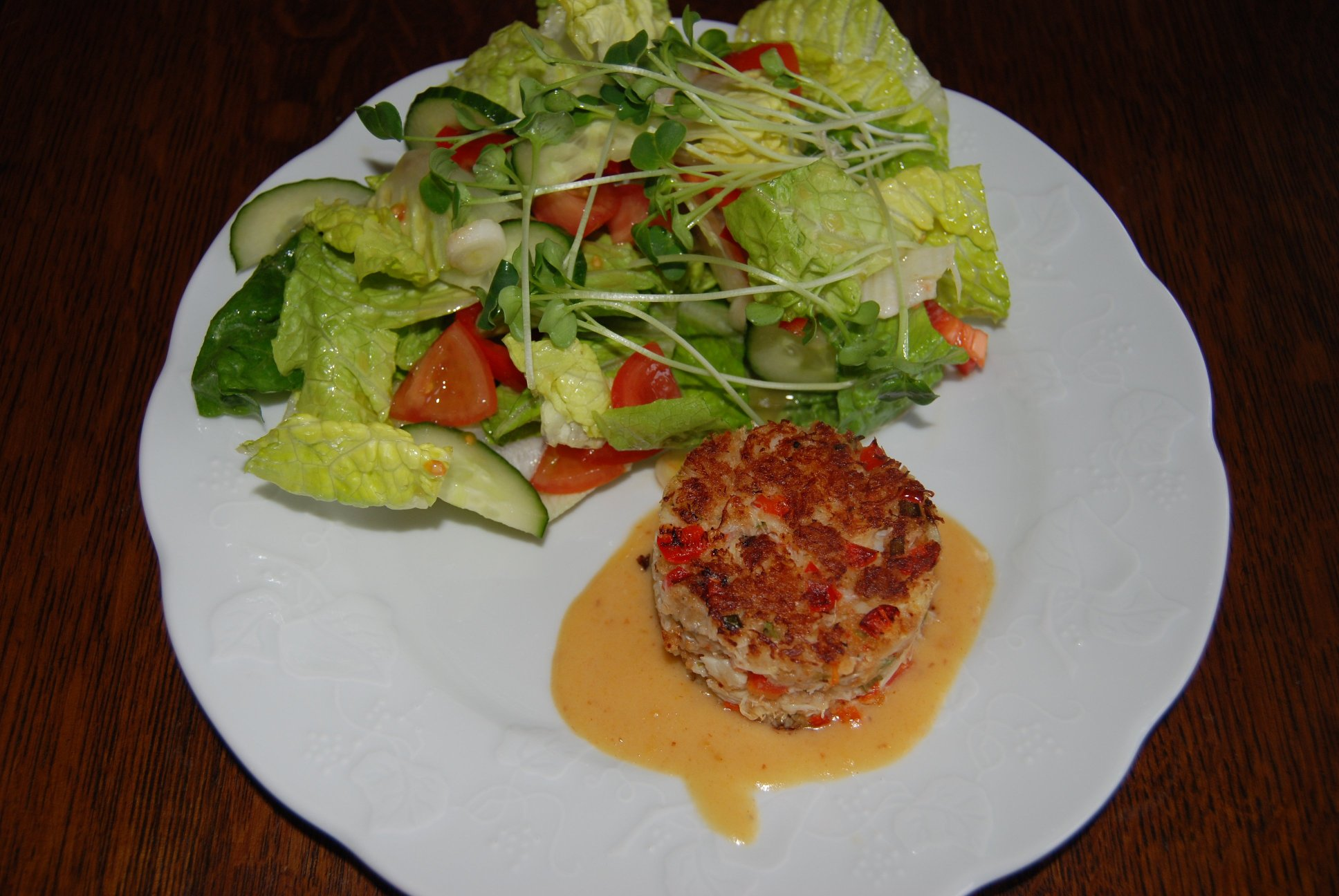 Awesome Crab-cakes with Salad picture