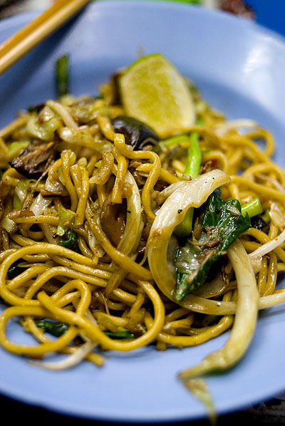 Mie Lueang (stir-fried Hokkien-style noodles) picture