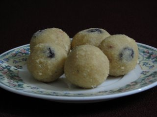 RAVA LADDU  picture