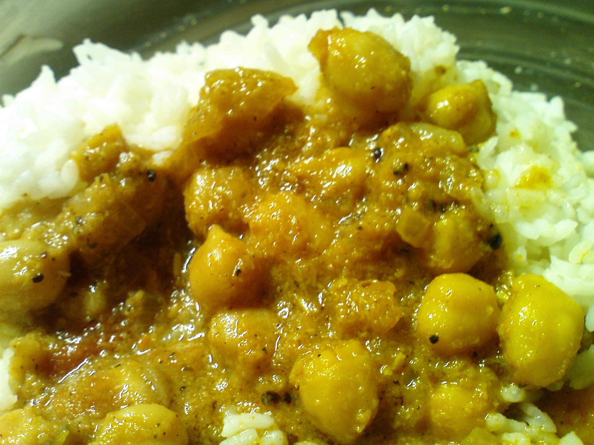 Kondai kadalai kulambu (Chick-pea pepper curry) picture