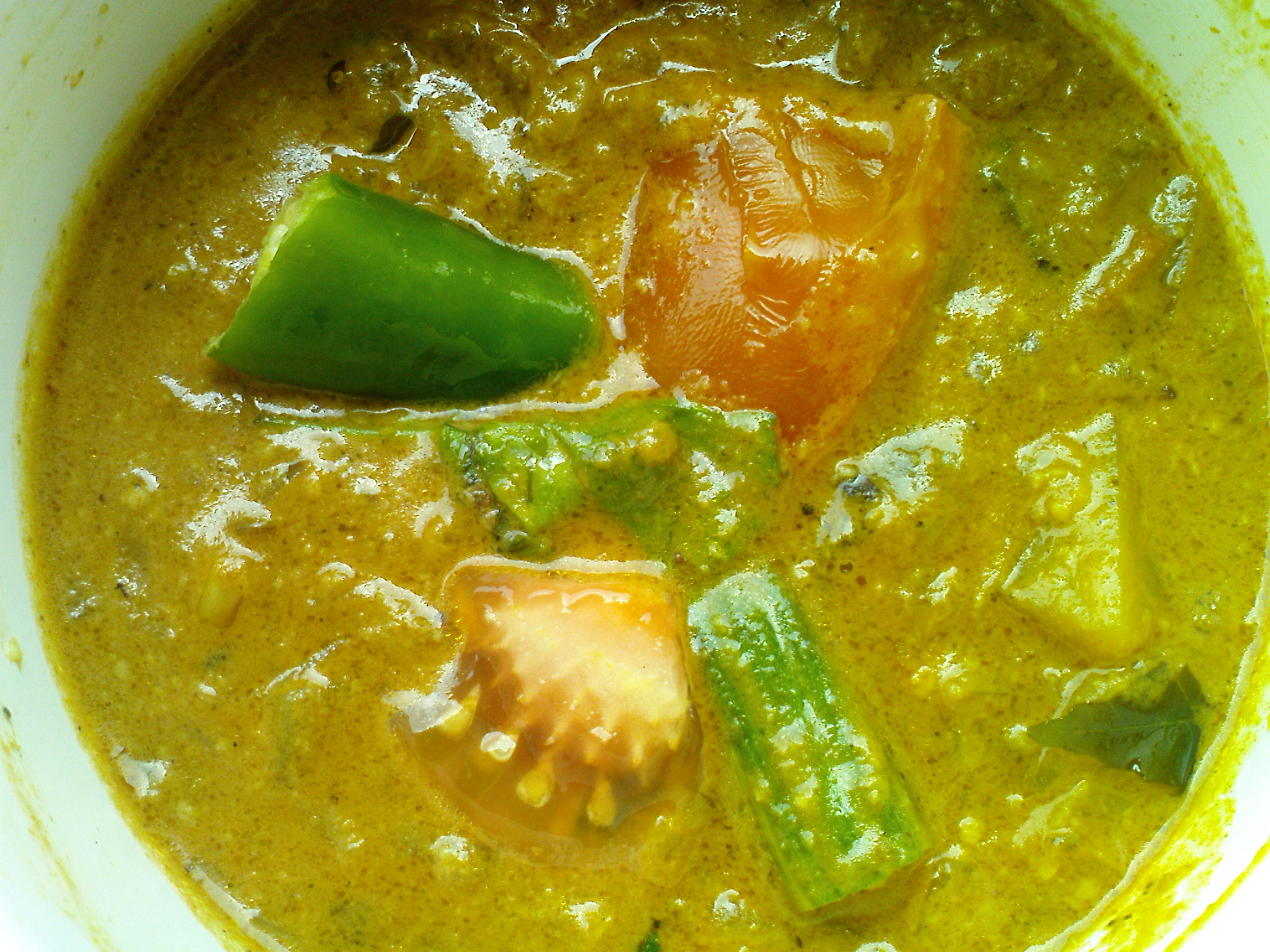 Mixed vegetable curry (Drumstick, potato & brinjal gravy) picture
