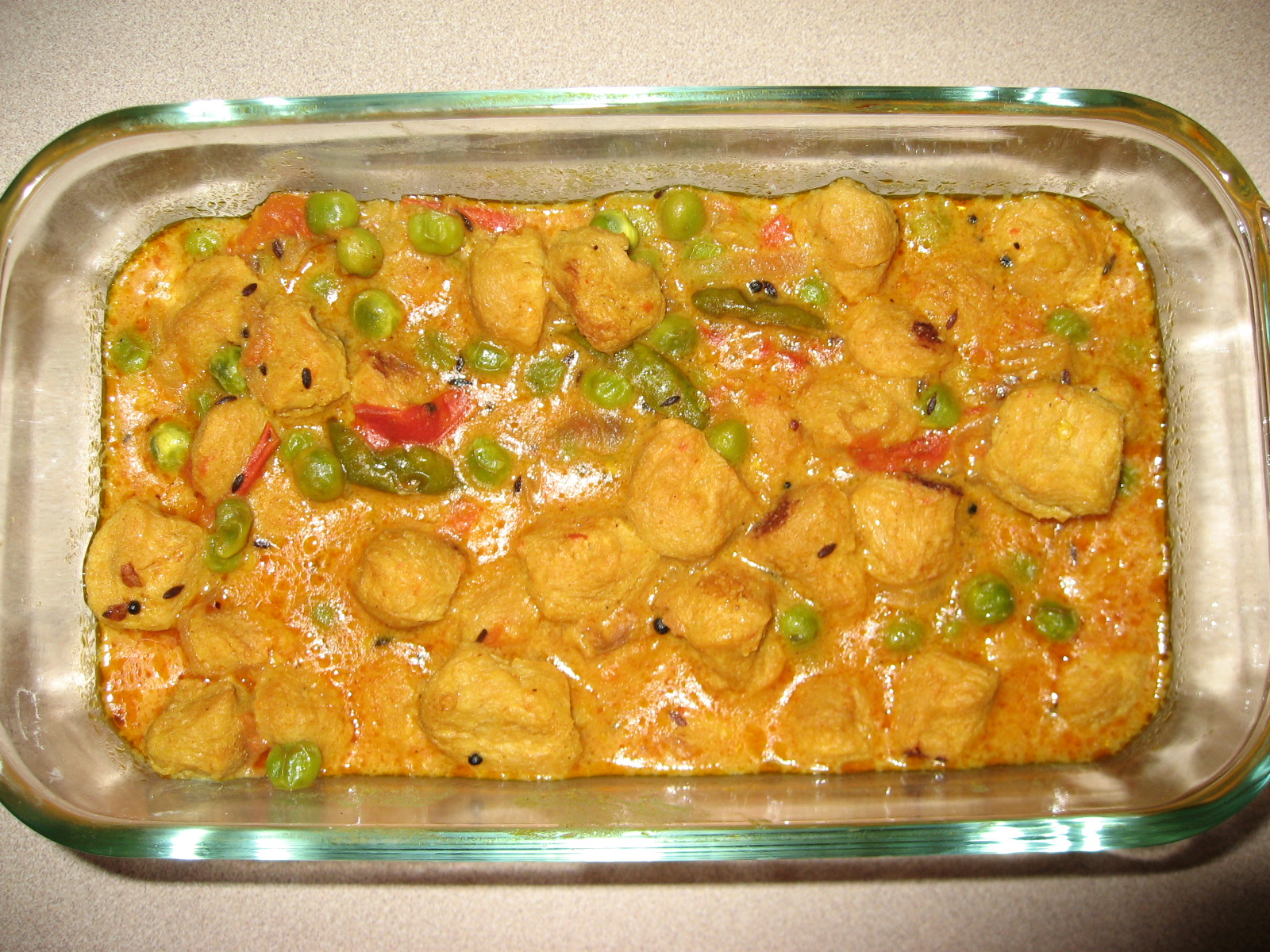Soya Chunks with Green Peas Curry picture