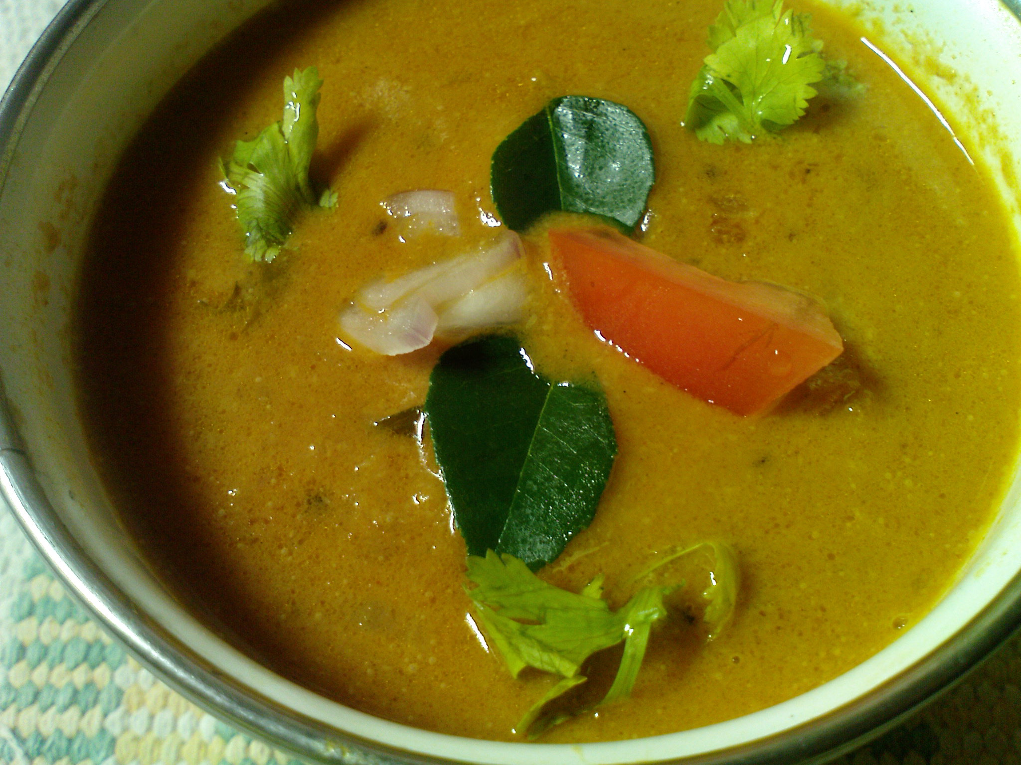 Tomato Spicy Curry (Thakkali kulambu) picture