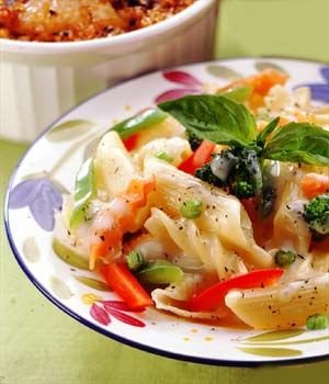 EASY CHEESY VEGETABLE PASTA picture