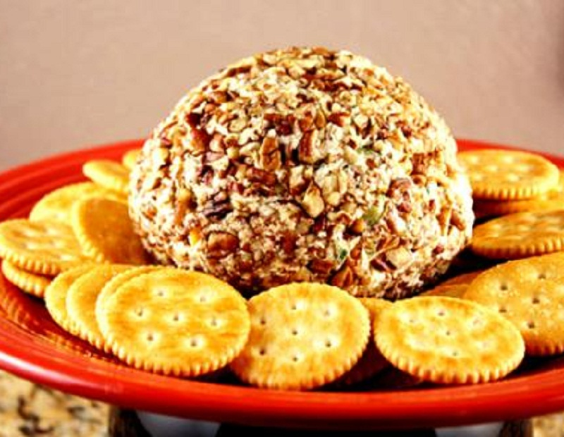 Almond Cheddar Cheese Ball picture