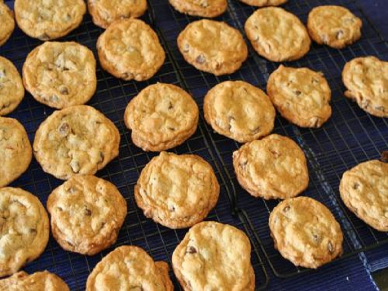 Almond Crisp Cookies picture