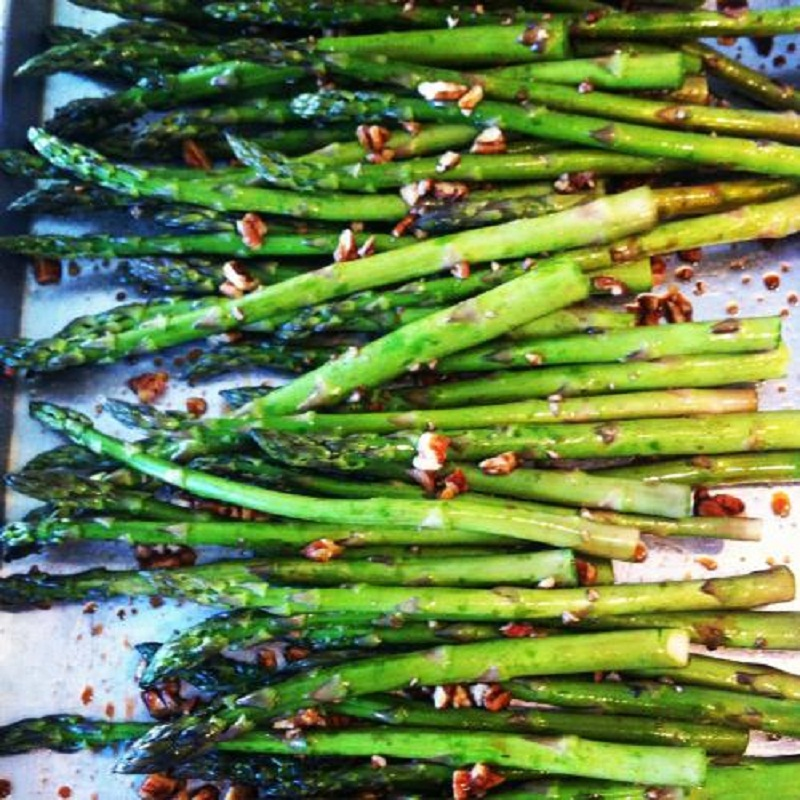 Asparagus with Toasted Hazelnuts picture