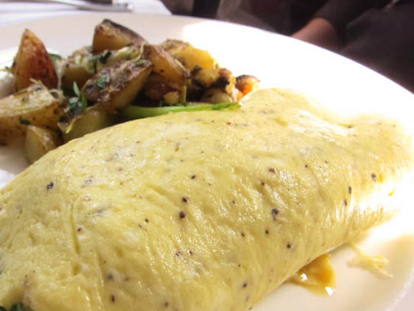 Basic French Omelette picture