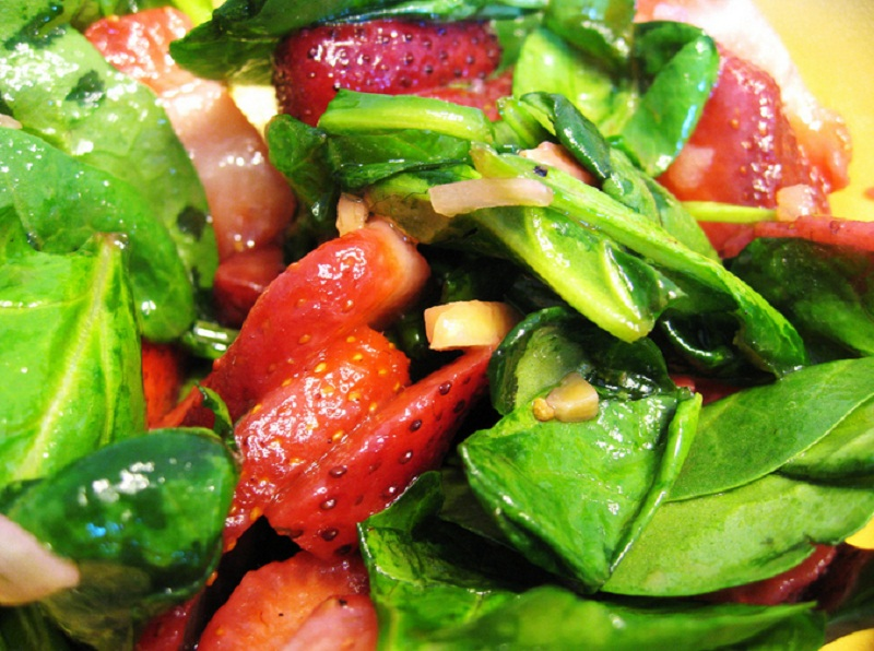 Berry Poppy Seed Salad picture