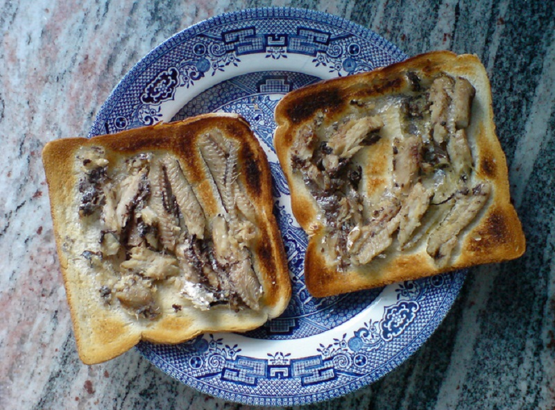Broiled Sardines on Toast picture
