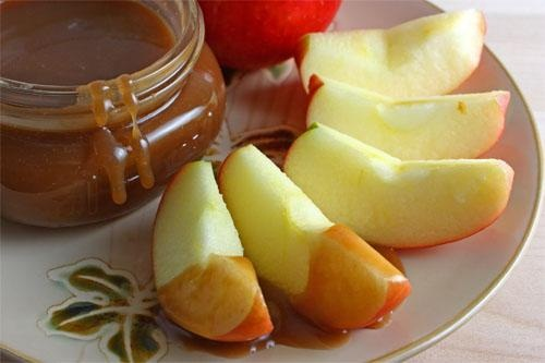 Caramel Rum Fruit Dip picture