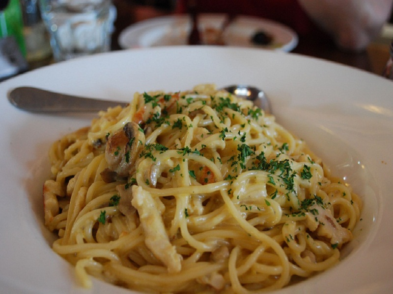 Chicken And Pasta In Cream Sauce picture