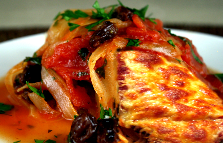 Mexican Chicken With Tomato Raisin Sauce picture