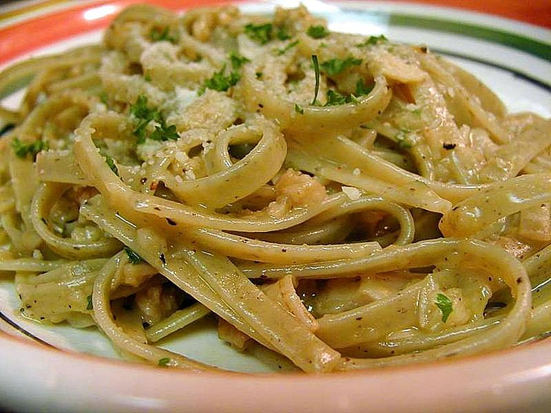 Clam Sauce With Linguine picture