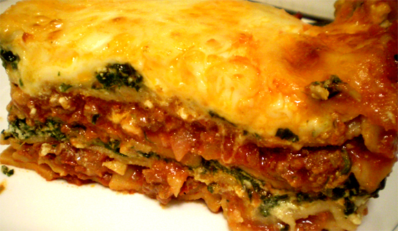 Classic Cheese Lasagna With Meat Sauce picture
