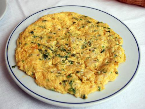 Puffy Cheddar Omelette picture