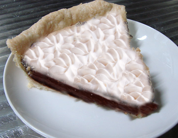 Creamy Chocolate Bavarian Pie picture