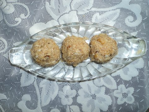 Chappati Laddu picture