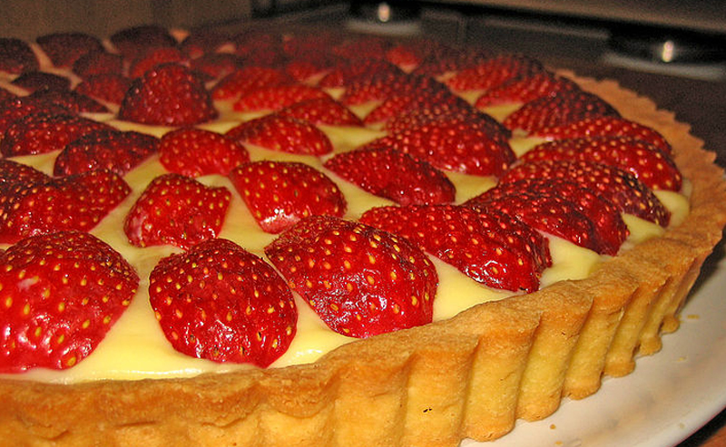 Egg n' strawberry Custard picture