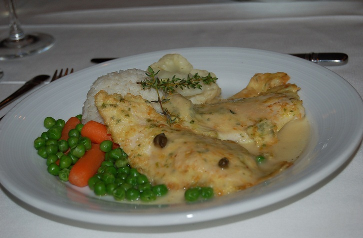 Grilled Chicken Breasts With Wine Sauce picture