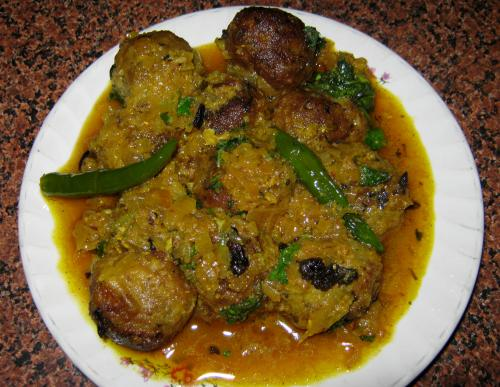 Cabbage Kofta Curry picture
