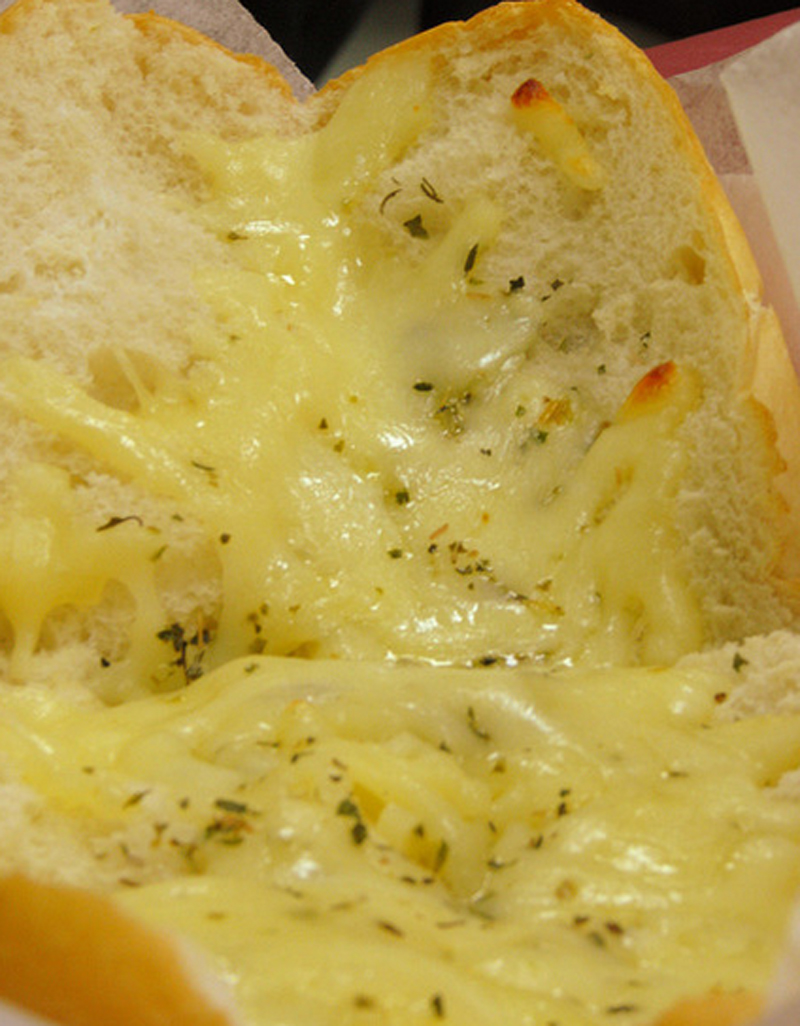 Hot Cheese Garlic Bread picture