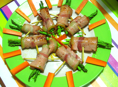 Hot Ham Rolls With Asparagus picture