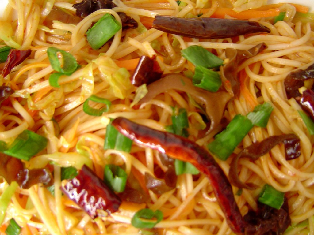 Chilli Garlic Shanghai Noodles Recipe by srividya76 | iFood.tv