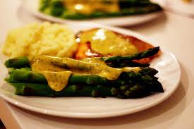 Asparagus With Pureed Leek Dressing