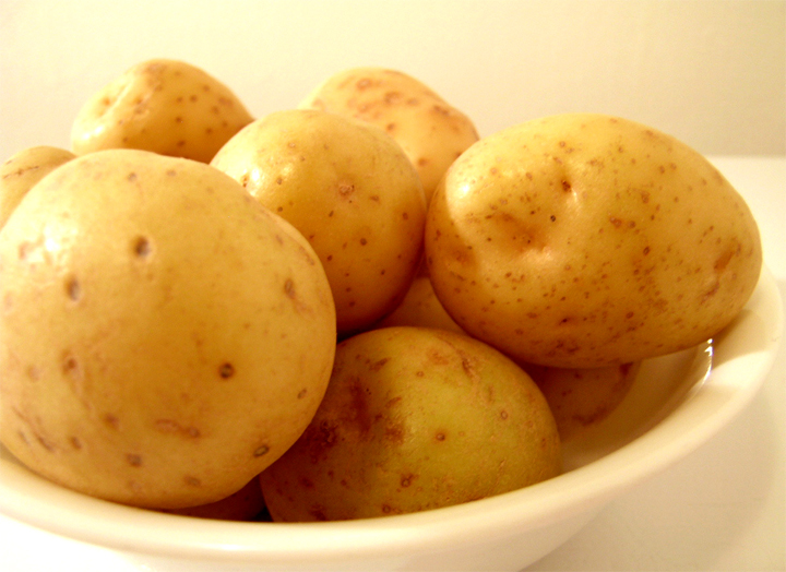 Boiled new potatoes recipe by - New potatoes recipes treat ...