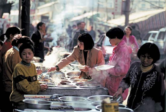 Chinese food market 2