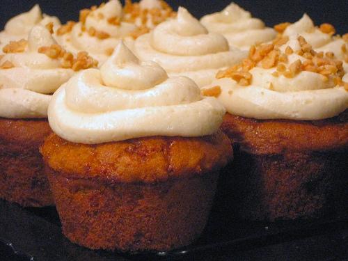 Caramel Cream Iced Cupcakes