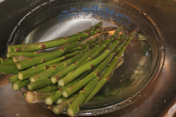 How to clean asparagus thoroughly