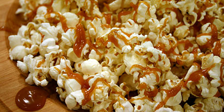 how to eat caramel corn - and smack it like a tasty crunch