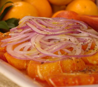 Steamed onions used in salad