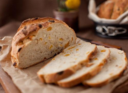 Apricot_nut_bread_3