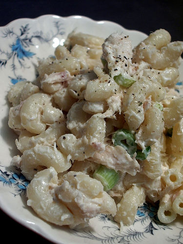 An easy-to-make Macaroni Tuna Salad