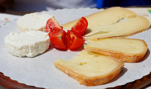 Learning how to serve good quality cheese