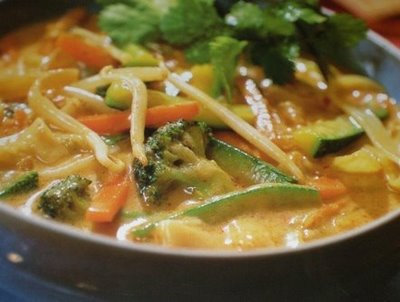 eating-Kuai-Tiao-Nam