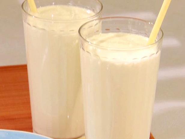 Delicious vanilla milkshakes