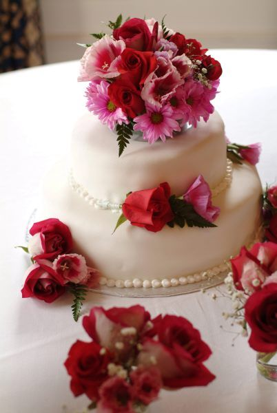 Decorate Cakes With Fresh Flowers by colorfulcandies ...