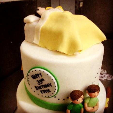 "Eddie Cibrian gets a ""Favorite Things"" Birthday Cake from LeAnn Rimes"