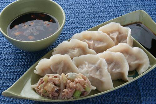 Quick and hot dumpling sauce