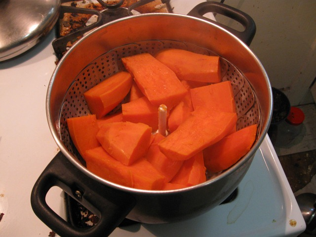 Sweet potatoes for steaming in a basket
