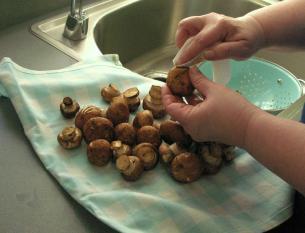 Wipe clean the mushrooms