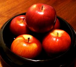 Fruits for heart health - Apples
