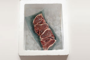 Carrying meat with dry ice