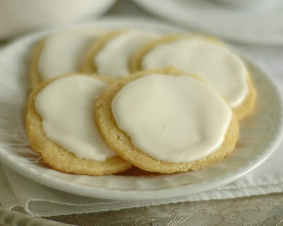 10 Holiday Cookie Ideas glazed lemon cookies