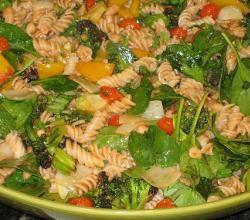 Tomato Cheese Macaroni Salad  - Cheesy Tomato Starters
