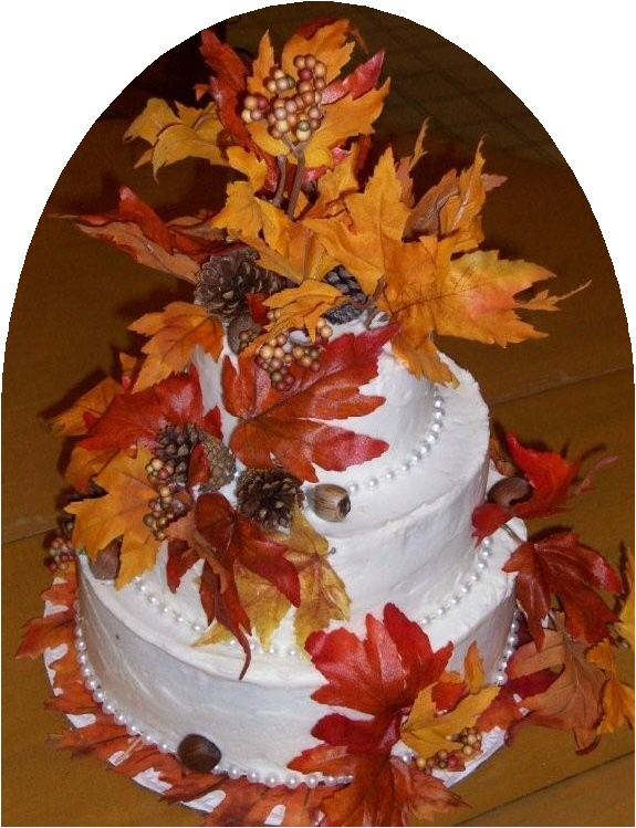 Atumn themed cakes are incomplete without fall leaf decorations.